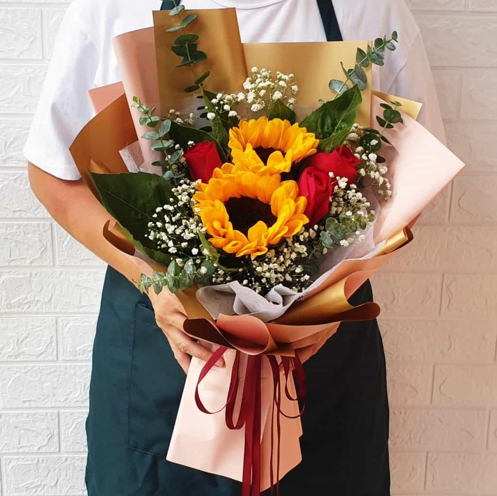 classic-sunflower-rose-medium